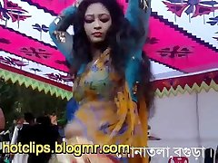 Clipssexy.com Bangladesi girl nude dance in public