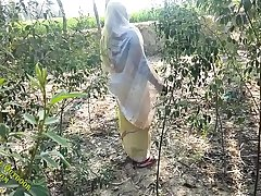 desi village teen outdoor sex with pussy fucking