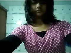 Desi girl Showing her big boobs in the Bathroom